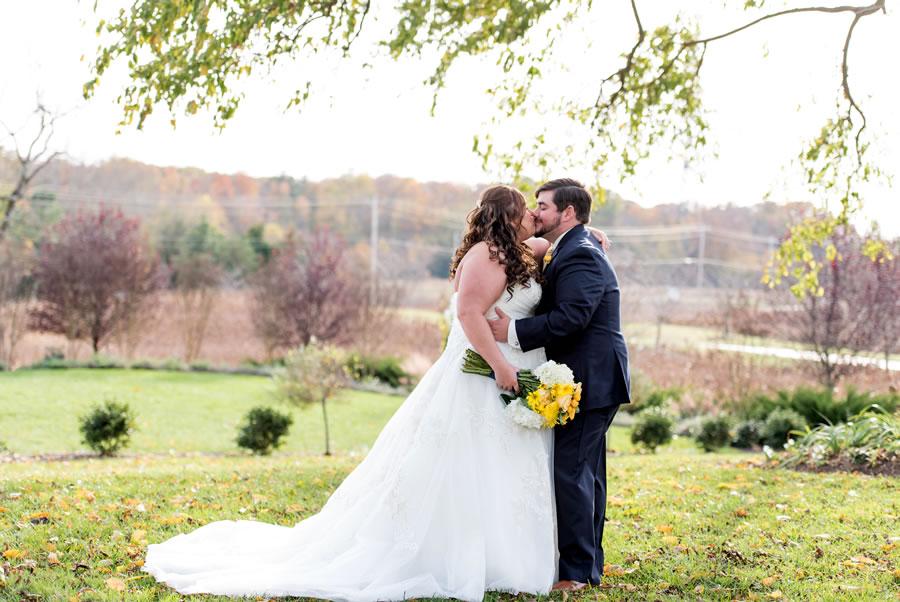 bride-groom-kissing-wedding-venue-maryland